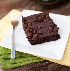 4-Ingredient Chocolate Pudding Dump Cake | RecipeLion.com