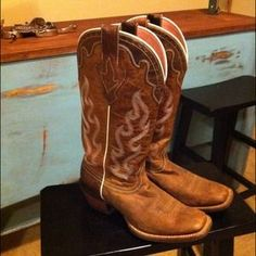 I just added this to my closet on Poshmark: **Price Reduced**Ariat cowgirl boots. Price: $185 Size: 9