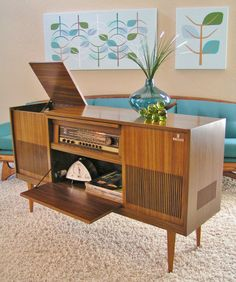 Sleek and Simple Lines: Grundig Stereo Console Model KS650U