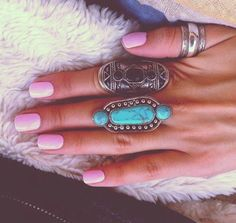 love the whole looks, nail color and rings together