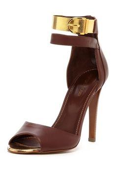 brown & gold heels <3