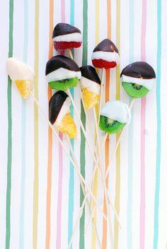 Chocolate Dipped Fruit Bites by @Matty Chuah Proper Pinwheel / Lexy Ward | Fruit Skewer Recipe | Chocolate Covered Fruit