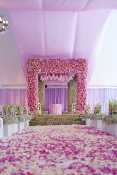 amazing design with loooots of flowers <3