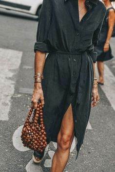 The shirt dress, the perfect piece to adapt your degree of sensuality to your ... #adapt #degree #dress #perfect #piece #sensuality #shirt