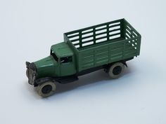 Dinky Toys Market Gardeners Wagon Pre War - Green - Cast Grille with Headlamps - Black Chassis with Short Front Wings - Smooth Black Hubs £140
