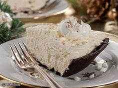 Holiday Eggnog Pie - Such a festive addition to the holiday season!