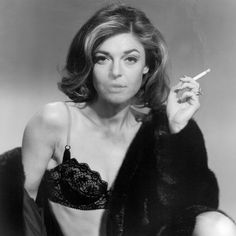 film, icon, the graduate, movi, beauti, actress, ann bancroft, robinson, smoke