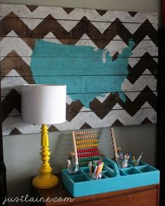 pallets in home decor... paint the shape of texas on there ;) this would be cute with yellow instead of black for Mollys room