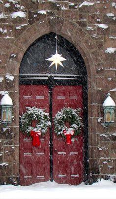 Christmas at Calvary Presbyterian Church in Riverton, New Jersey • photo: la fattina on Flickr