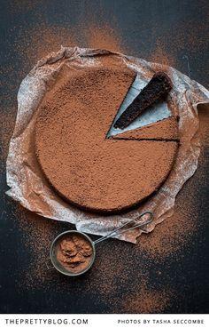 Flourless Chocolate Oil Cake - 21 Flourless Chocolate Desserts #chocolates #sweet #yummy #delicious #food #chocolaterecipes #choco