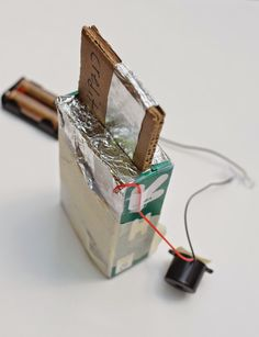 Very awesome DIY play credit card reader circuit-building exercise from @LiEr