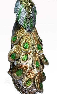 Golden Luxury Green Bejeweled Peacock Figurine base is Resin, measures 27x10 cm, photo 4/5