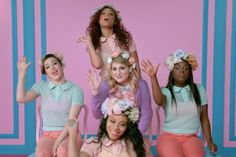 Video Premiere: @Meghan_Trainor Meghan Trainor - All About That Bass