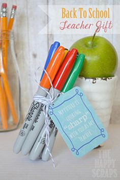 Back to School Teacher Gifts Free Printable back to school teachers gift, teacher gifts, teacher back to school gifts, teacher gift with sharpies, back to school teacher gift, sharpie teacher gift, sharpies teacher gift, gift idea, sharpie teacher appreciation