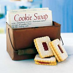 Great tips + ideas for hosting a cookie swap party.