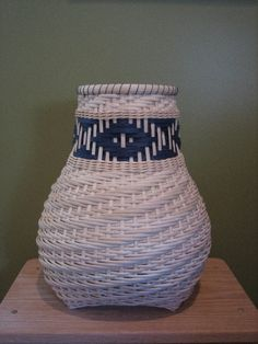 http://www.featherbaskets.com/kit%20files/Chief's%20Daughter%20Cathead.jpg
