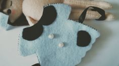 FELT DOLL DRESS TUTORIAL - (This is for a doll but would make a cute ornament too)