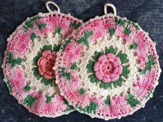 Antique Rose Potholder – Free Crochet Pattern