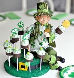 St. Patricks Day cupcak, baby shower ideas, diy crafts, cake pops, st patricks day, groom cake, cakepop, craft ideas, baby showers