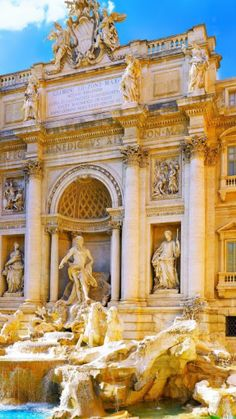 Most Romantic Places for Marriage Proposal - Fountain di Trevi, Rome - Italy does feature a lot!