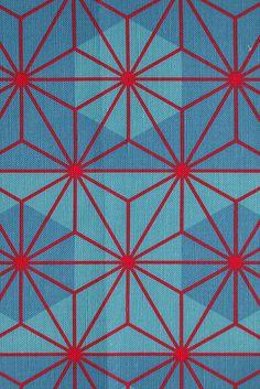 Traditional Japanese hemp-leaf pattern -Asanoha fabric. Via, Nekineko on Flickr