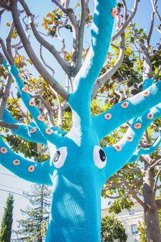 The Dapper Toad: Yarnbomb Squid Tree!