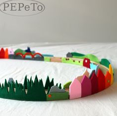 Felt scenery for train tracks