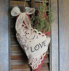 Primitive Valentine Heart Hanger Cupboard Hanger