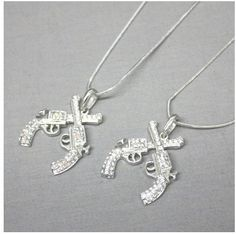 Crossing Pistols Necklace... WANT!!!