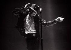 Michael Jackson In Concert: 1995 | GRAMMY.com