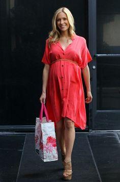 Kristin Cavallari - she has THE best pregnancy fashion.