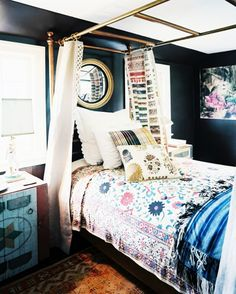 10 Hacks for Creating a Canopy Bed via @domainehome // Mixed prints in bedroom, via Lonny.