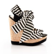 Love love LOVE these black and white striped wedges