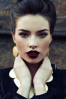 strong eyebrows, eyebrow game, makeup dark lips, wine lipstick, dark burgundy lipstick, dark wine lips