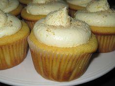 Banana Pudding Cupcakes - they really do taste like banana pudding!