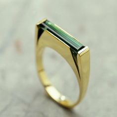 Pascale Masselis jewels design Zirkstraat 42 Antwerp jewellery vintage. I actually gasped when I saw this. So lovely.
