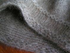 Non-roll stocking stitch edge.