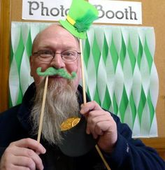 Tutorial: St. Patrick's Day Photo Booth Props