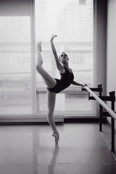 I Love pointe!!! :) I wish to look like this one day!