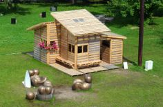 House made from wood pallets!