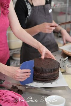 Excellent Tutorial photos on How to Make a Two Tier Wedding Cake with Faye Cahill!