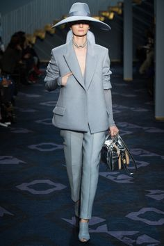 Tod's Fall 2014 Ready-to-Wear Collection Slideshow on Style.com