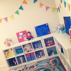 Love the bunting - I see a trip to the fabric store in my future!