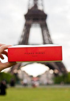 Macarons Pierre Hermé - by riinusan