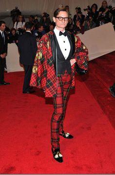 Google Image Result for http://stylefrizz.com/img/Hamish-Bowles-Alexander-McQueen-tartan-suit-Met-Gala-2011.jpg