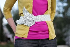 Bring out your inner fashionista with your quilting fabric and learn how to make this cute fabric flower belt from @Make It and Love It.