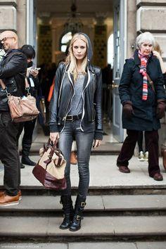 Leather jacket. Buckle belt.