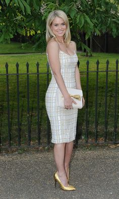 Alice Eve classy in mini dress and high heels