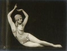 Julian Mandel - Nude Study, 1920