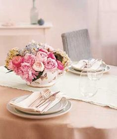 20 Unexpected Centerpieces for Any Occasion|Easy ideas that you can pull together in five minutes or less.